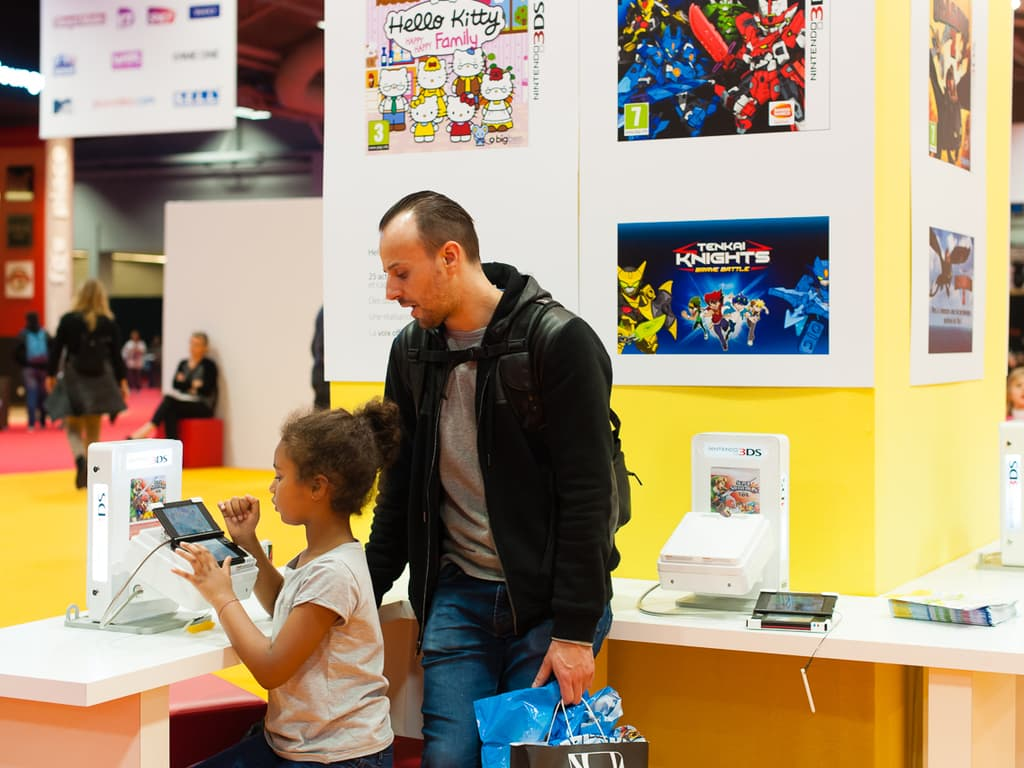 PGW - Jeudi 30 Octobre 2014 - Paris Games Week Junior -  Joueuse 3DS XL