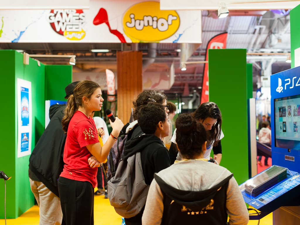 PGW - Jeudi 30 Octobre 2014 - Joueurs -  Paris Games Week Junior - Singstar - Sony
